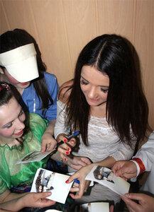 Для девушек заключенных RENATA исполнила свои песни