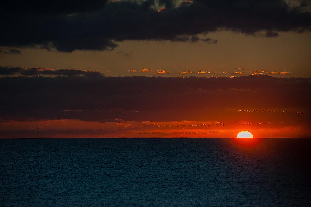 Sunrise. Islas Canarias. Atlantic Ocean. Dmitry Marin