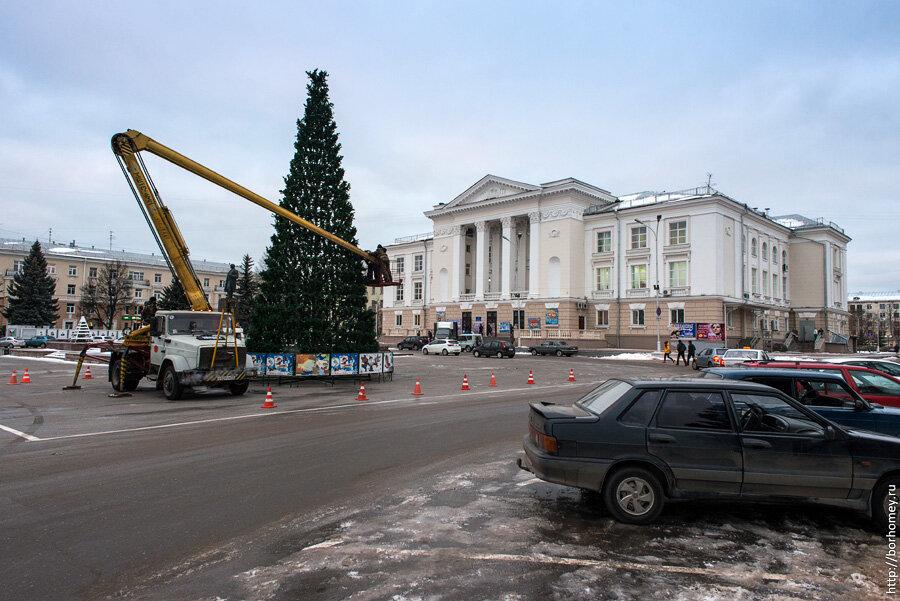 новогодняя елка на площади Ленина в Сарове