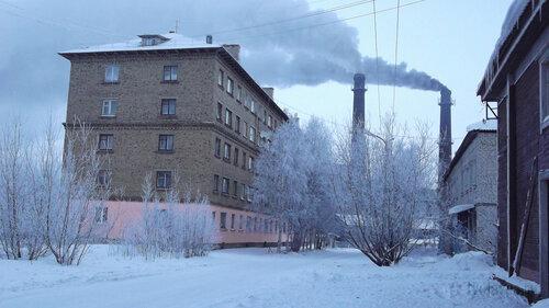 Фото города Инта №2493  Полярная 8 и 5 06.01.2013_13:48