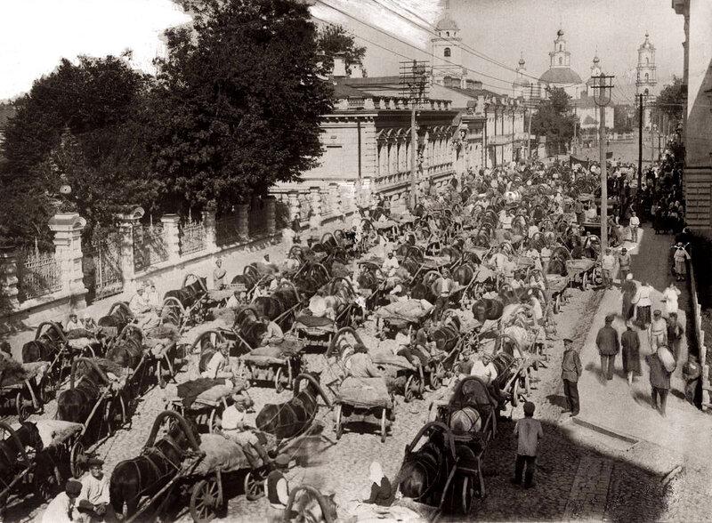 Пробка на дороге. Москва, 1923 год.
