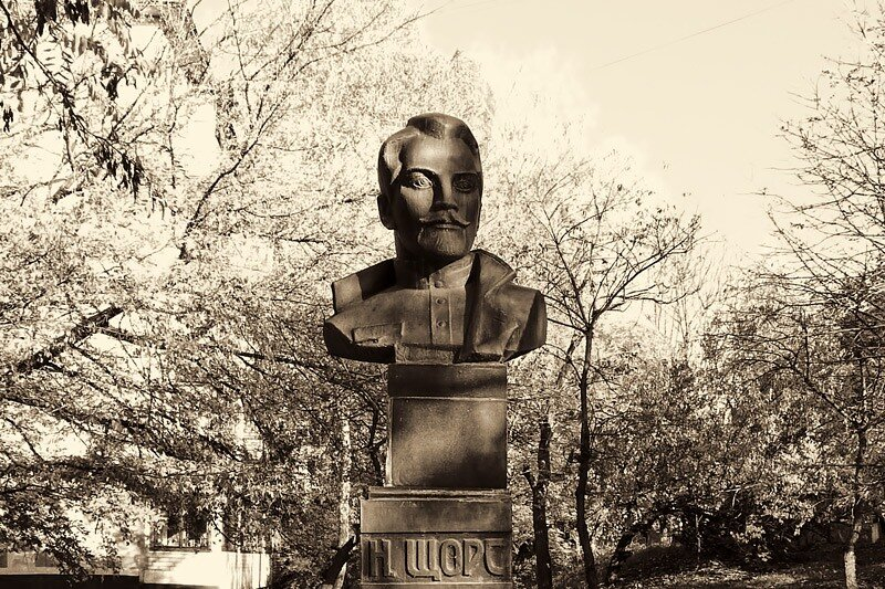 Памятник Николаю Щорсу в Белгороде, фото Sanchess, история памятника на http://sanchess-city31.livejournal.com/