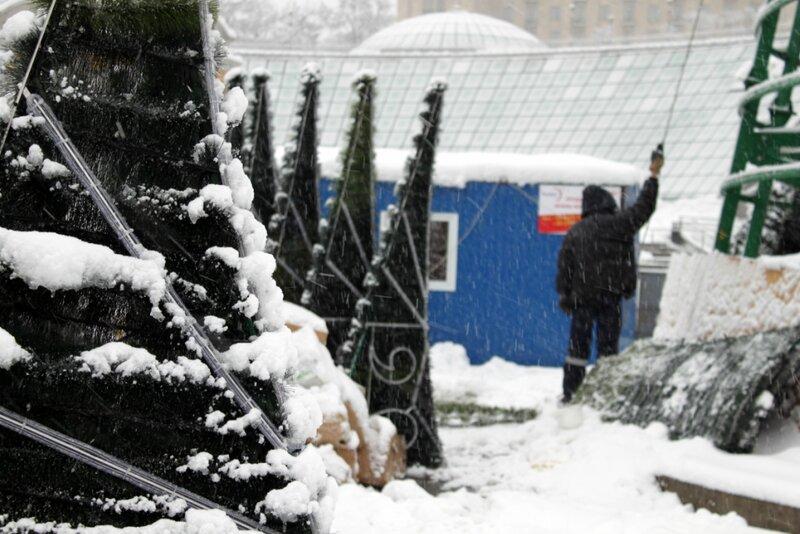 Монтажная площадка главной елки Киева