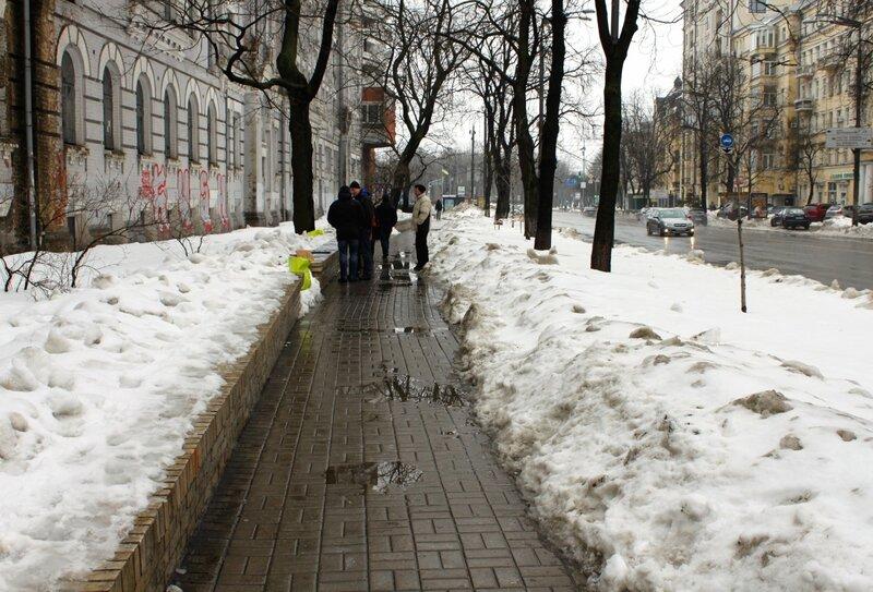 Пешеходная дорожка на улице Мазепы