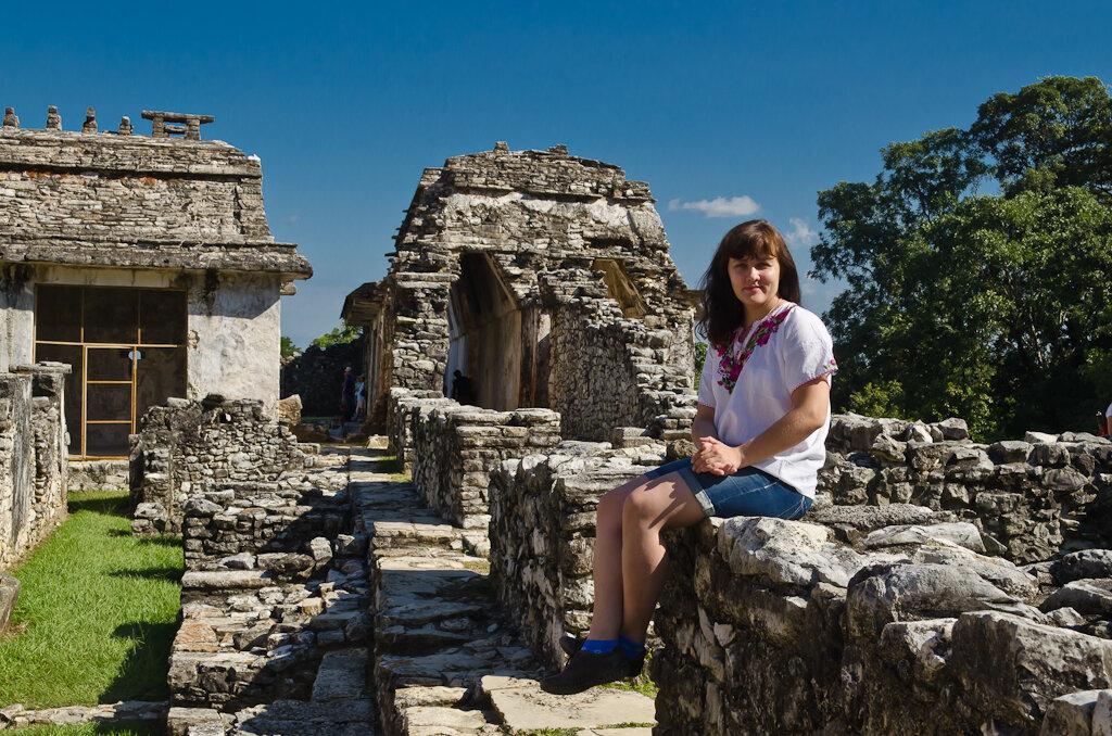 Купили у индейцев одежду для фотосессии. Отзыв об экскурсии к пирамидам Майя в Паленке. Стоит ли ехать на отдых в Мексику?
