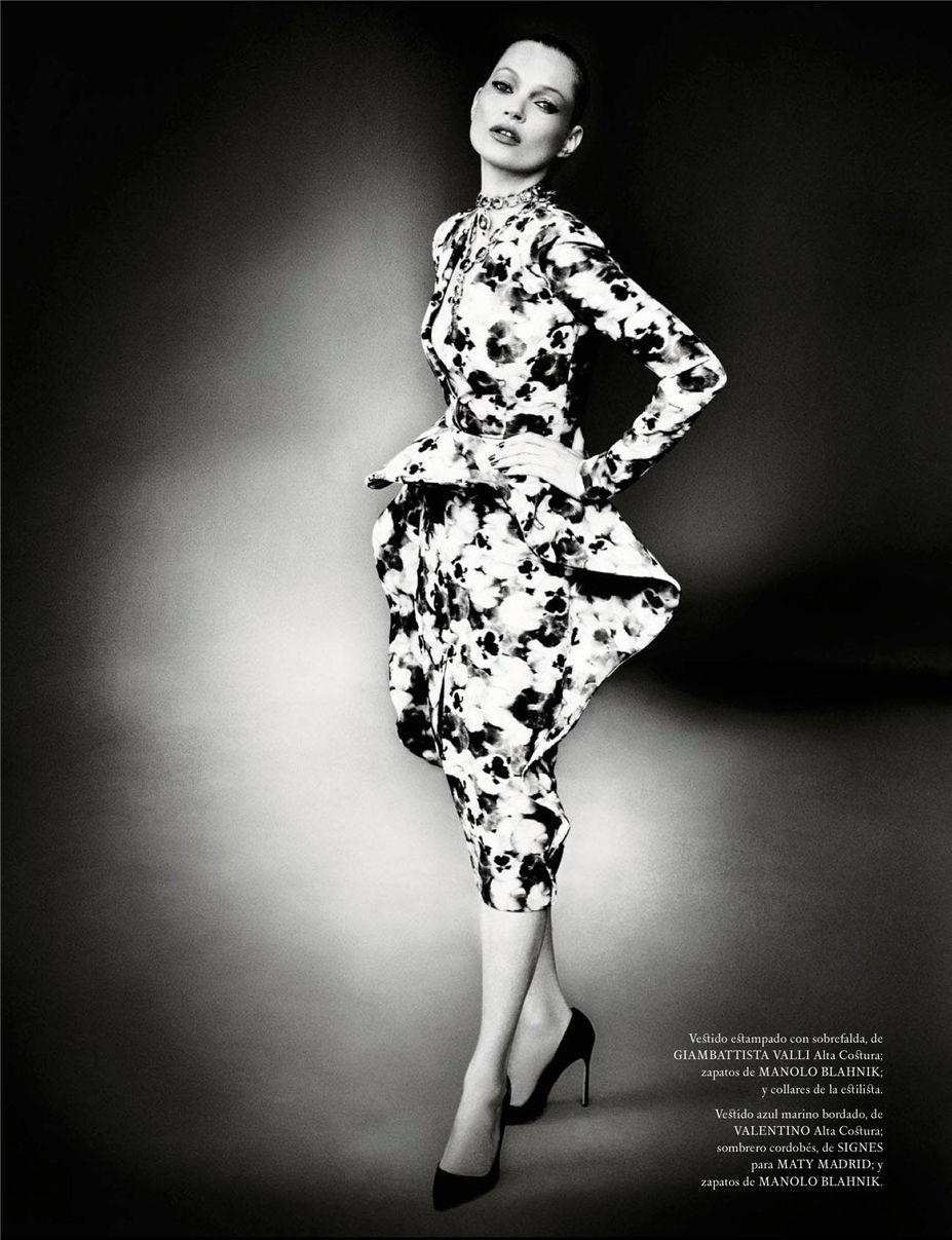 Kate Moss and Jose Mari Manzanares by Mario Testino / Кейт Мосс и матадор Хосе Мари Мансанарес в журнале Vogue Испания, декабрь 2012