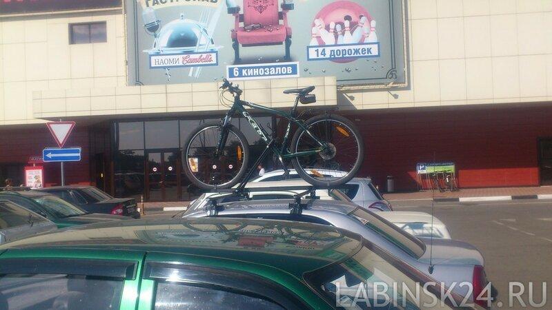 Багажник под крепление велосипеда на гладкую крышу