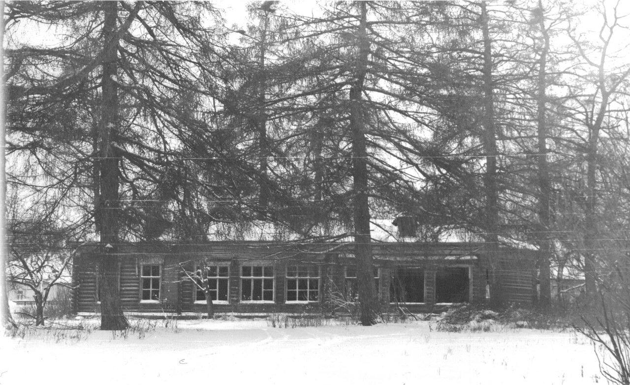 Костинская начальная школа. Конец 80-х годов прошлого века. Здание утрачено полностью