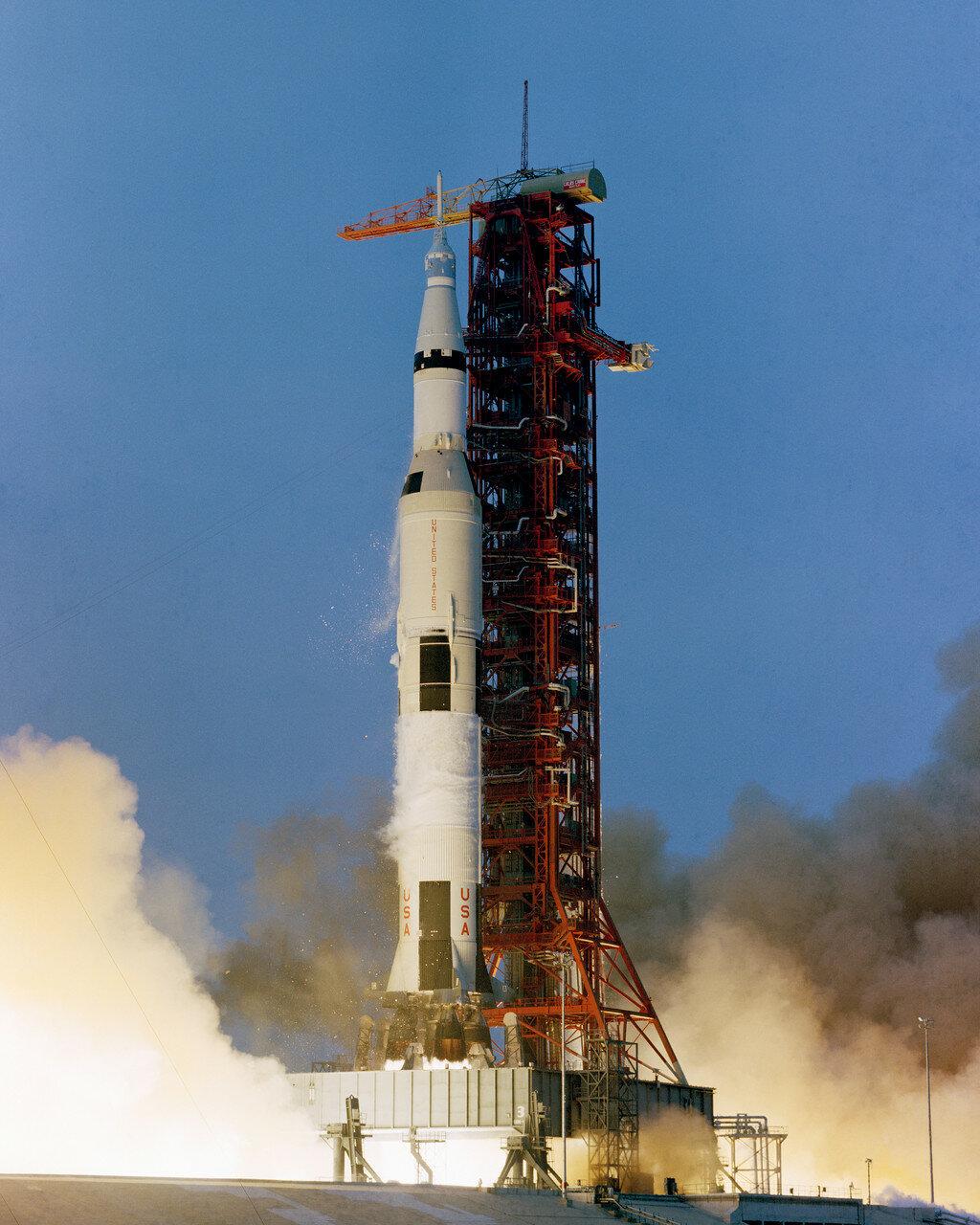 Целью полёта «Аполлона-13» являлась высадка людей на лунной поверхности и проведение научных исследований, однако эта экспедиция стала одной из наиболее драматических и героических страниц в истории мировой космонавтики.
