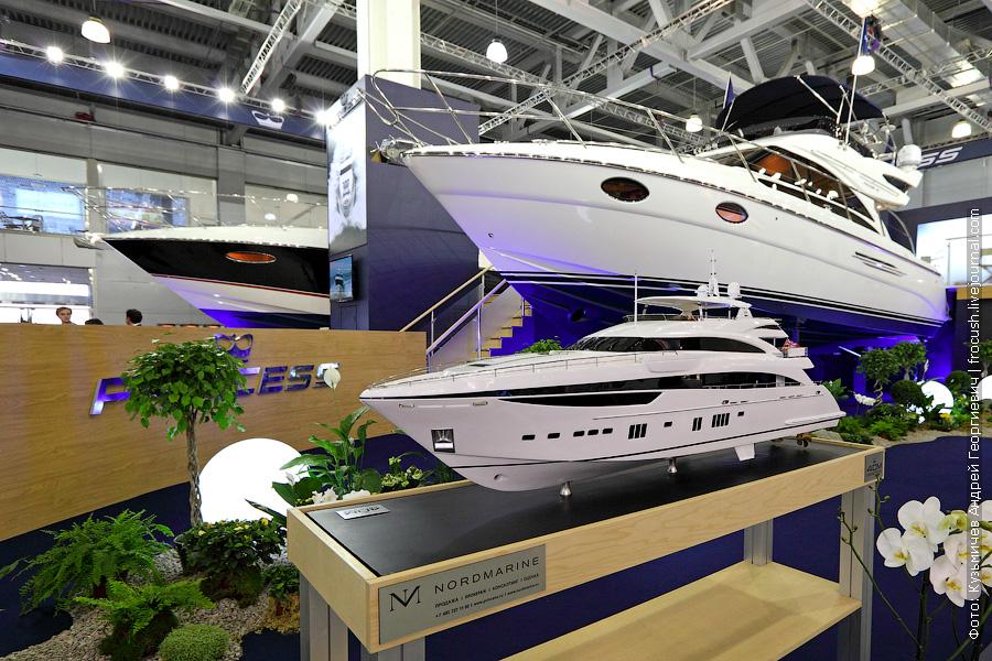 яхта «Princess 42» и моделька «Princess 40M»