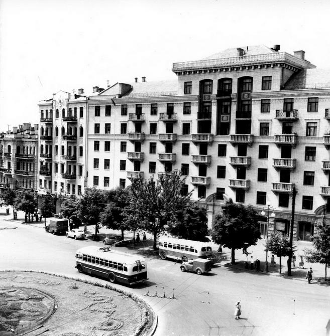 1954.06.24. Площадь Льва Толстого. Фото: Примаченко А.