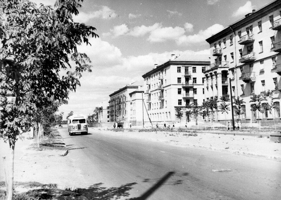 1955. Новые дома на улице Строителей. Фото: Примаченко А.