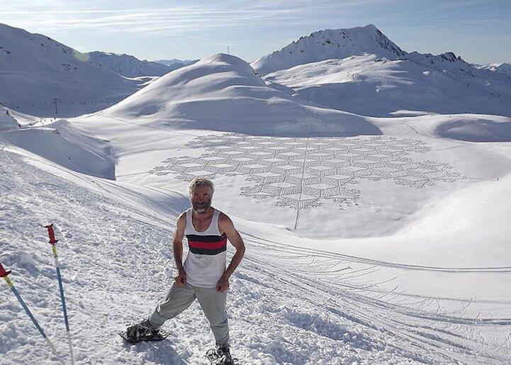 Снежные узоры и спортивная ходьба в горах