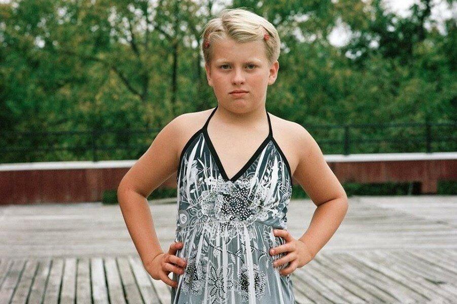 Видео транссексуал трахает девочку