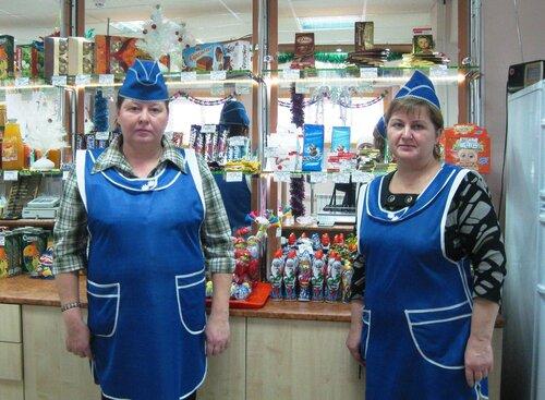 Работники кафе: В. Ф. Аксенова (слева) и Е. И. Смирнова