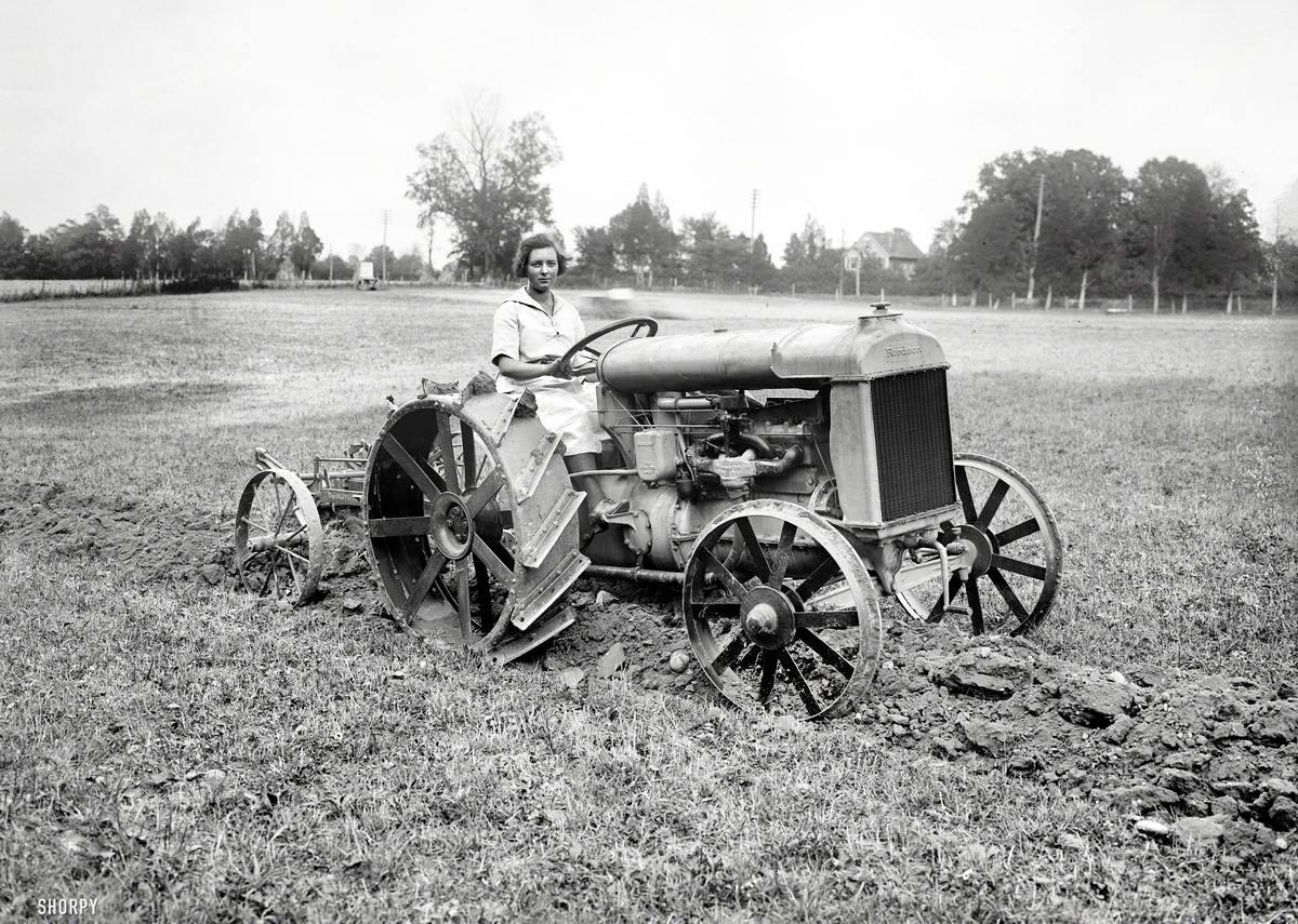 Автомобили и девушки начала 20-го века на снимках американских фотографов (21)