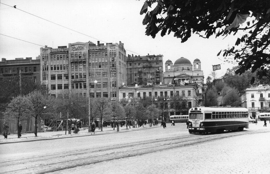 1956.05. Начало улицы Кирова (ныне улица Грушевского). Фото: Примаченко А.