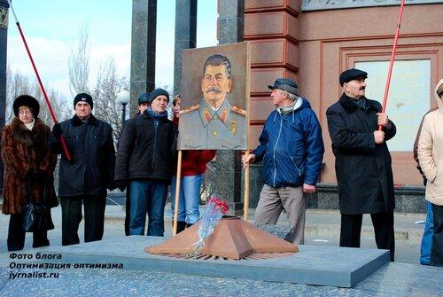 60 лет как Сталина на нас нет