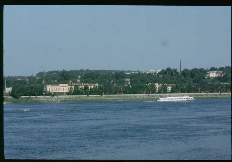 111. Река Ангара в Иркутске.