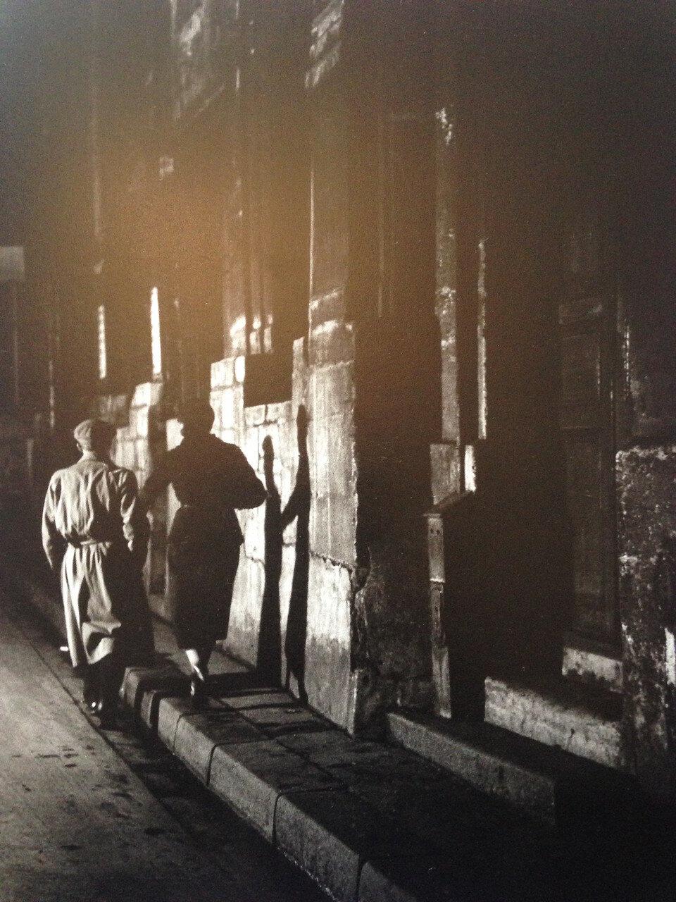 1932. Уличное знакомство. Ле-Аль, Париж