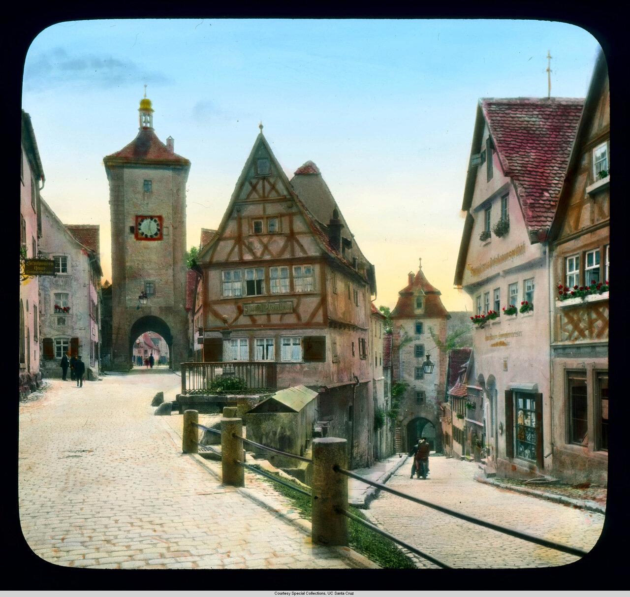 Ротенбург-на-Таубере.  Маленькая площадь с Башней Зибера and Кобользельскими воротами