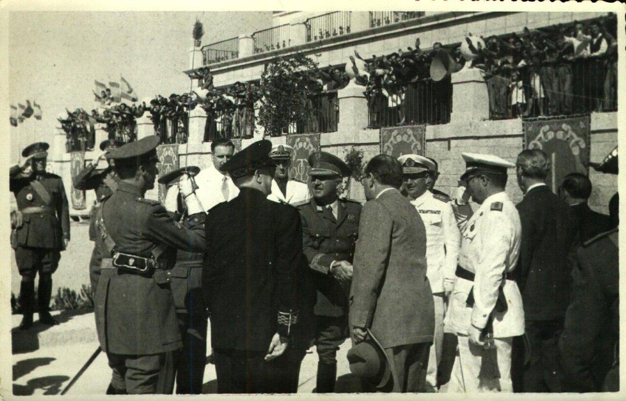 Местные власти приветствуют приезд Франко
