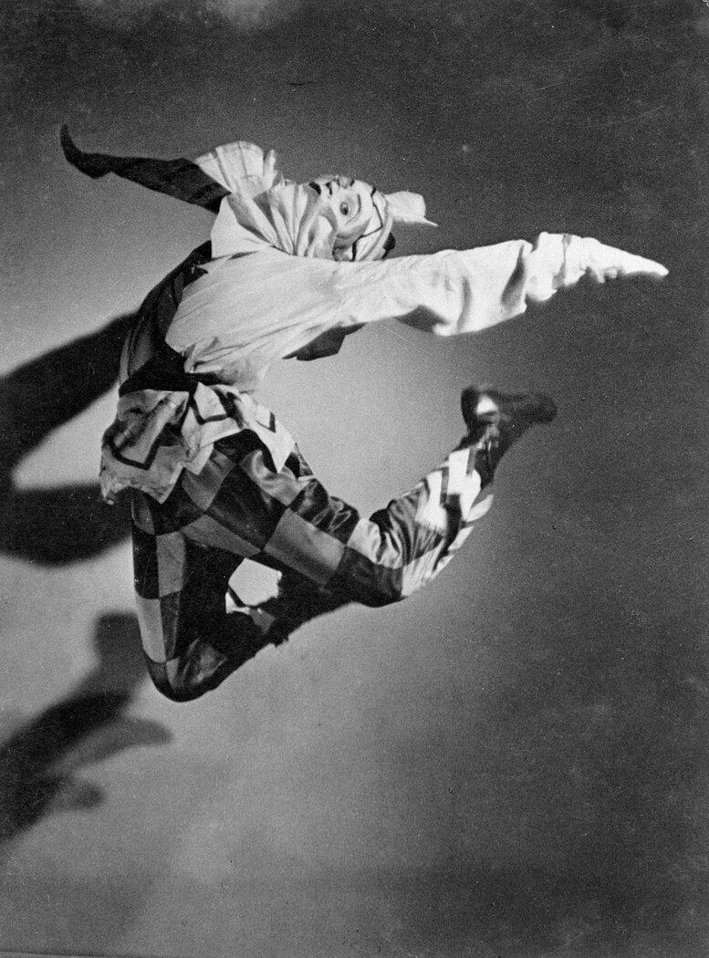 Юрий Лазовский в роли «Петрушки», Сидней, Март 1940