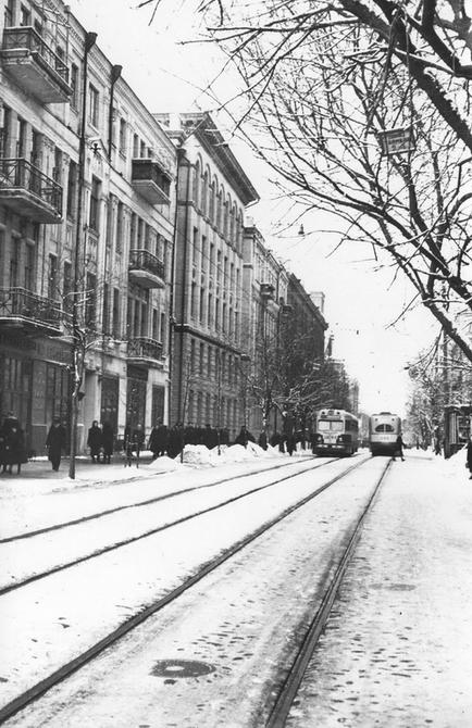 1956.01.03. Трамвай на улице Ворошилова (теперь улица Ярославов Вал)