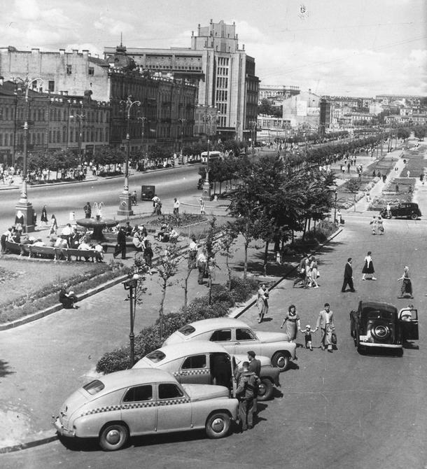 1949.06. Панорама Хрещатика от Бессарабской площади