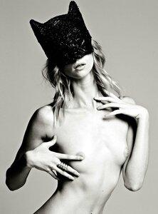 Alyona Subbotina / Алена Субботина, фотограф James Macari в журнале Treats, осень 2012