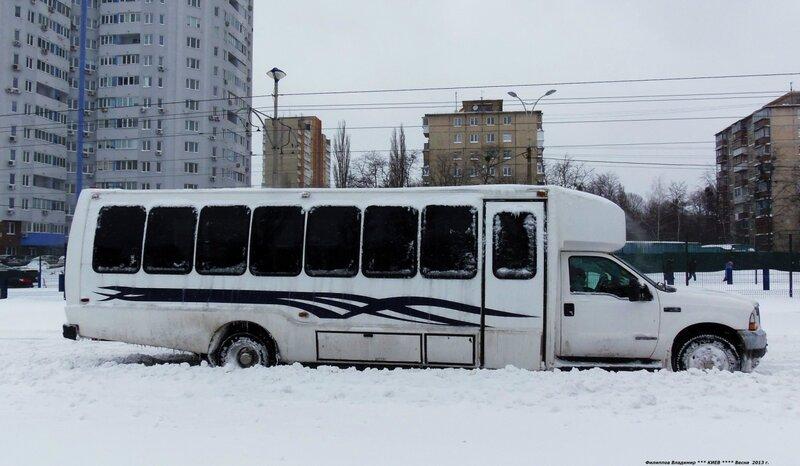 Город Киев.Проспект Космонавта Комарова. 23 марта 2013 г.