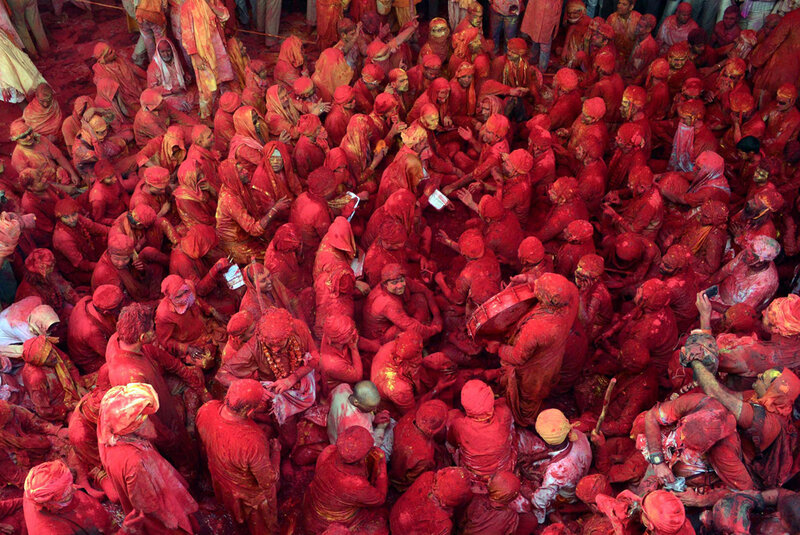 (5)INDIA-MATHURA-SOCIEDAD-FESTIVAL