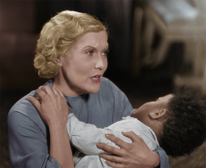 На этих кадрах из фильма «Цирк» актрисе 33-34 года.