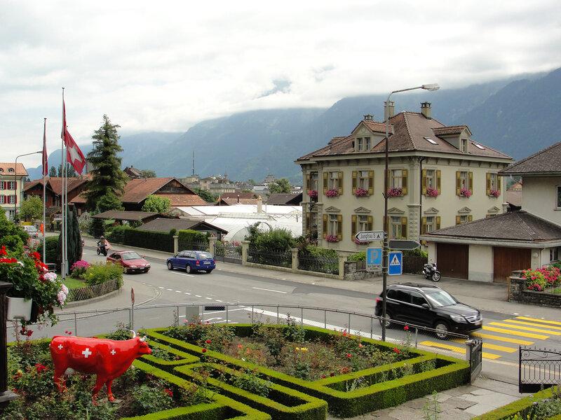 Unterseen. Отель Chalet Swiss. Вид из моего окна...