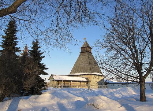 Власьевская башня Псковского Кремля