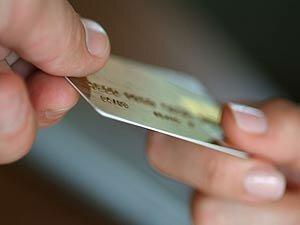 Как не попасть на удочку мошенникам при использовании банковских карт
