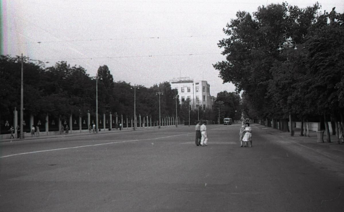 Впереди улица Советская