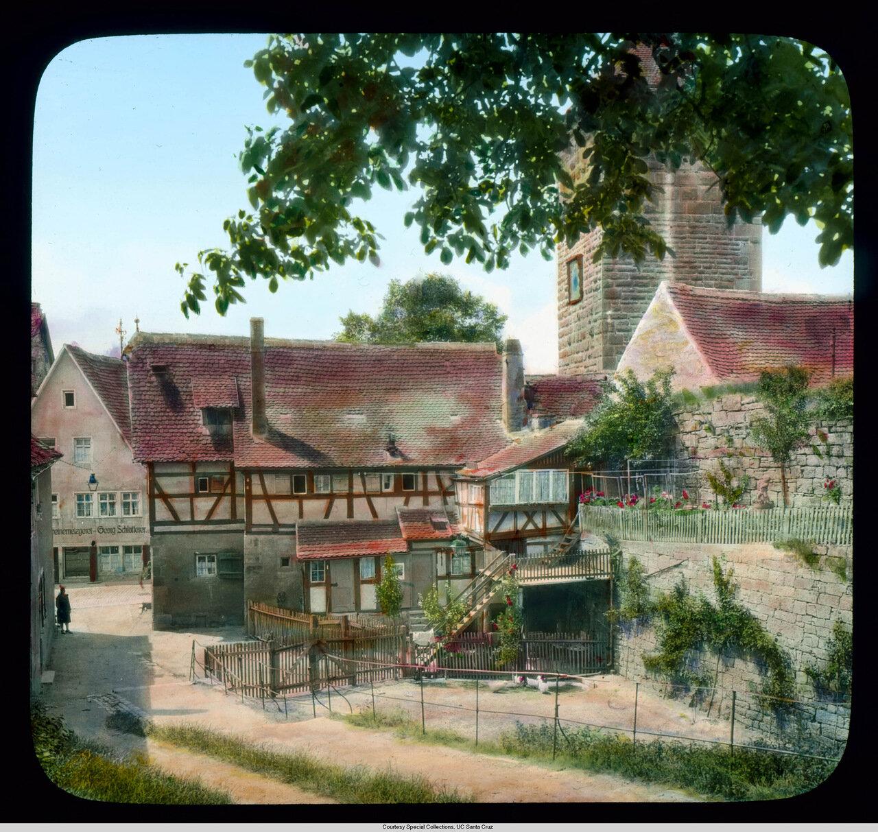 Ротенбург-на-Таубере. Живописный дом с садом возле Башни Зибер