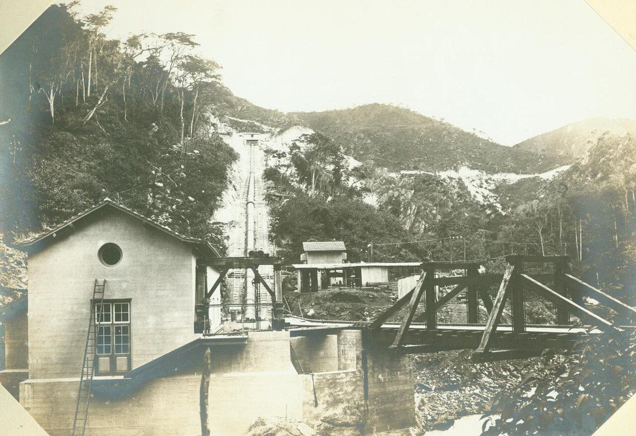 Электричество поставляется электростанцией в на шахты, ок. 1893 года