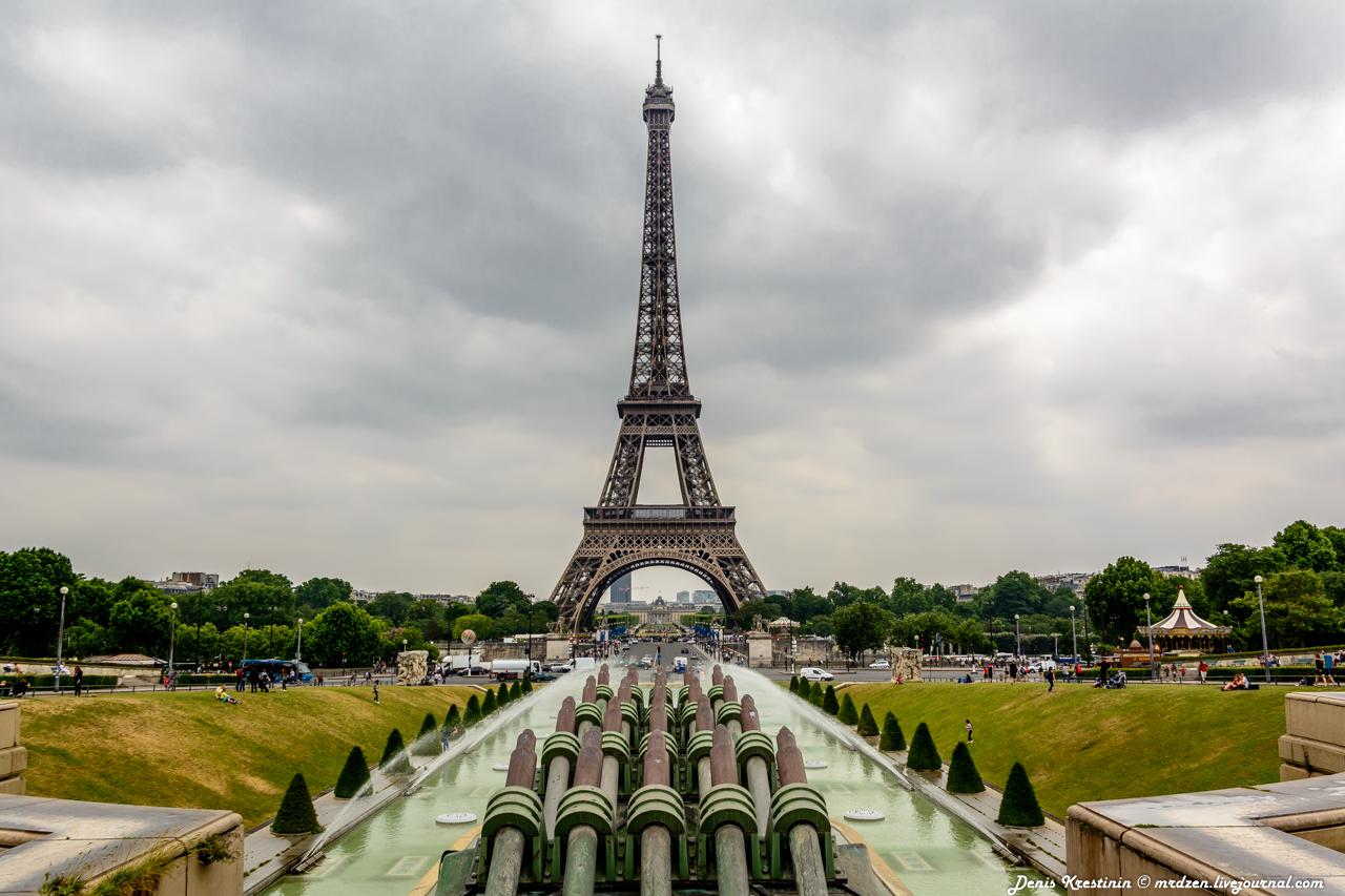 Эйфелева башня - версия дневная