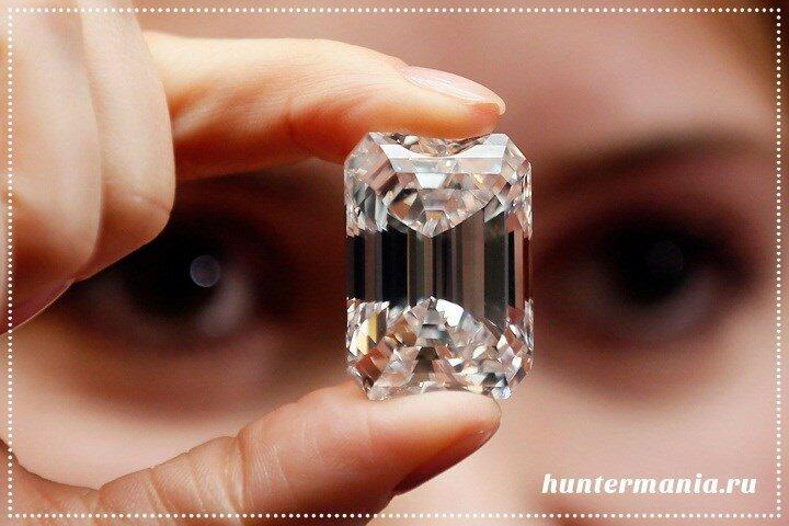 Самые дорогие бриллианты в мире - Белый бриллиант в изумрудной огранке весом 100 карат