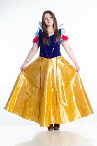 Женский карнавальный костюм Белоснежка длинное