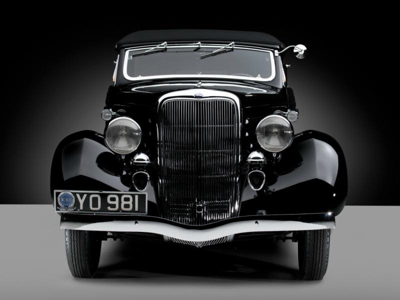 ford_v8_deluxe_convertible_sedan_by_glaser_10.jpeg
