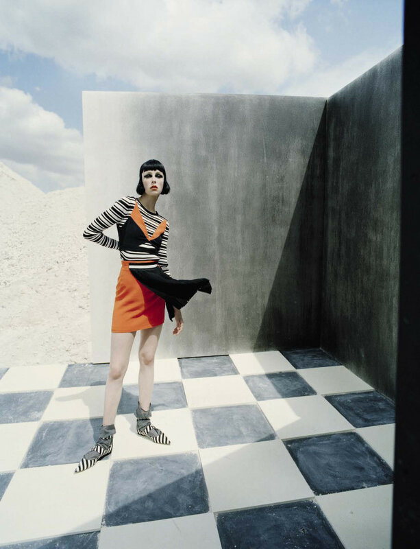 edie-campbell-by-tim-walker-fore-vogue-italia-december-2015