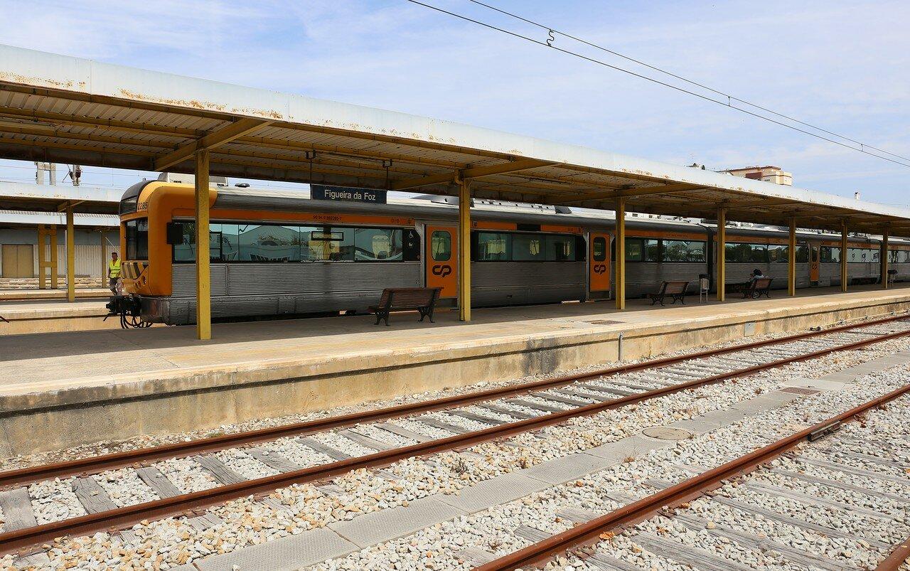 Фигейра-да-Фош. Железнодорожная станция