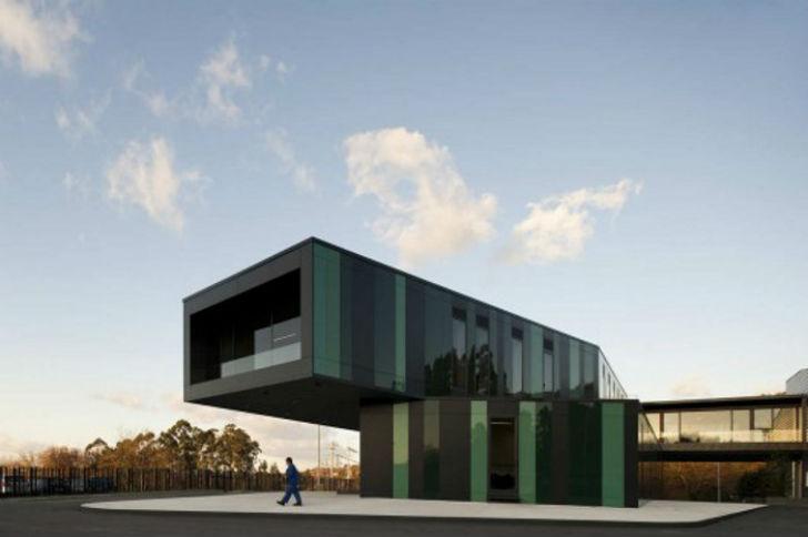 Португальская автобусная остановка была спроектирована так, чтобы помочь решить транспортной компани
