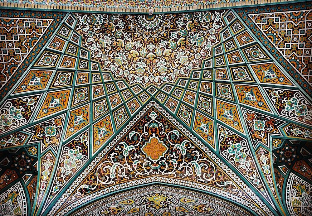 Celling of Hazrate-Masomeh's mosque in Qom, Iran Celling of Sheikh-Lotfollah's mosque in Esfahan, Ir