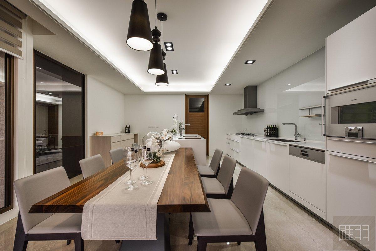 Manson Hsiao, просторная квартира фото, элегантный интерьер, деловой стиль интерьера, интерьер апартаментов, мужской интерьер квартиры