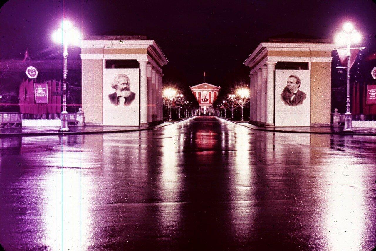 Ленинград. Смольный ночью
