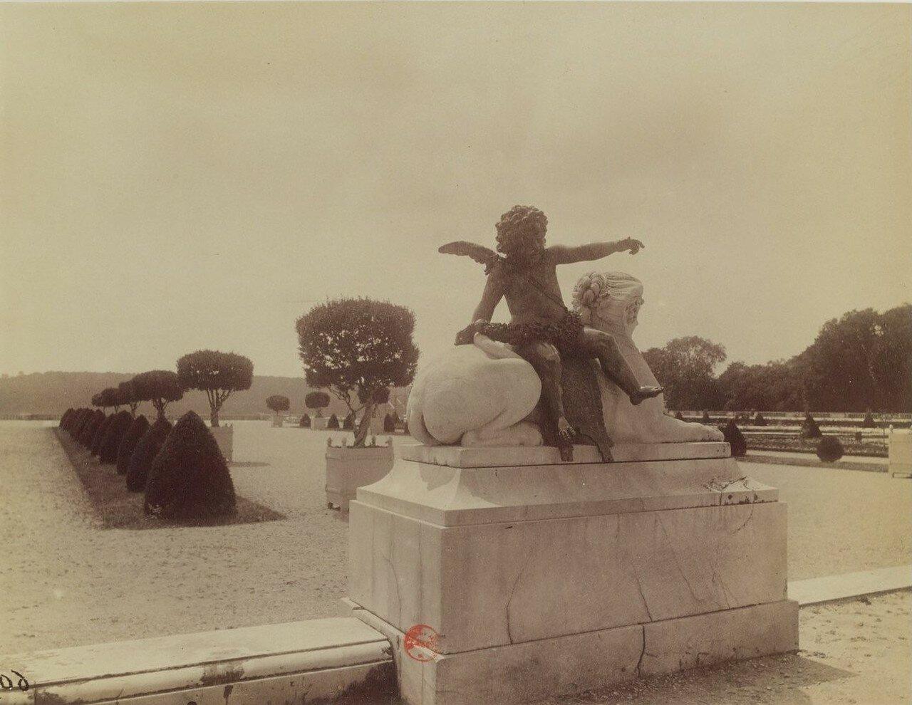 Парк Большого Трианона. Сфинкс Жака Саразена